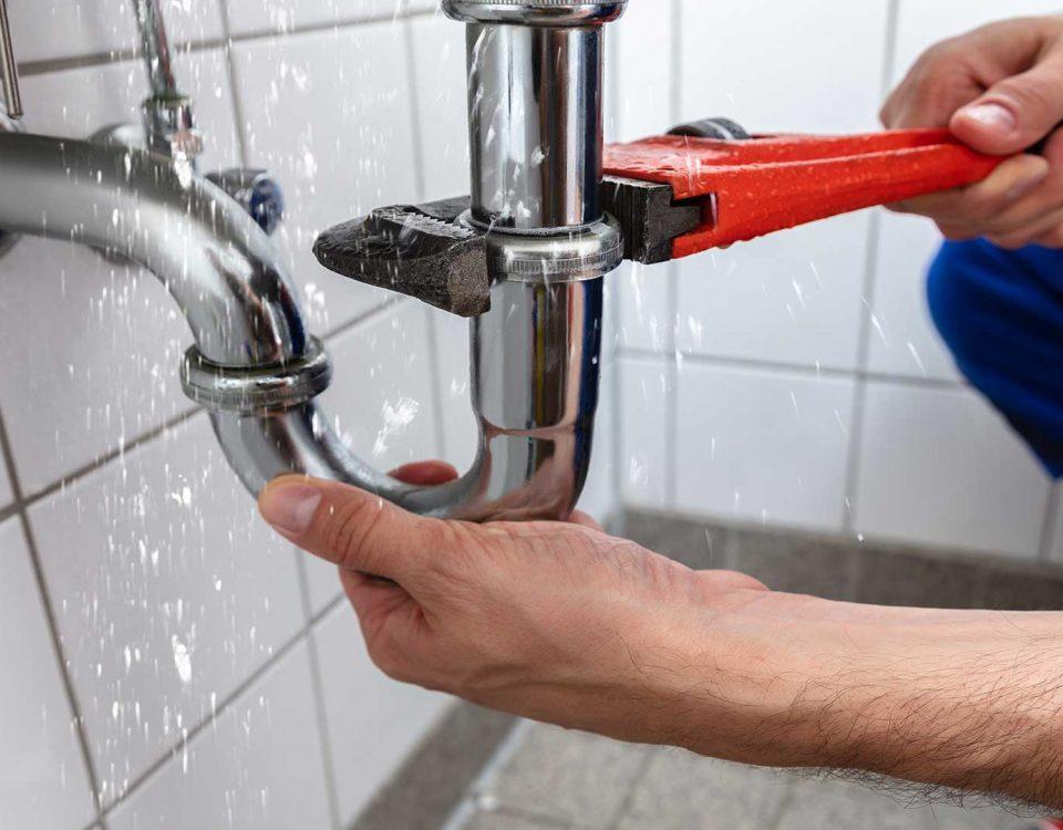 fontaneo barcelona 4 2020 960x750 - Servicios de fontaneros en Barcelona